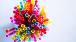 Les plastiques à usage unique bientôt interdits par