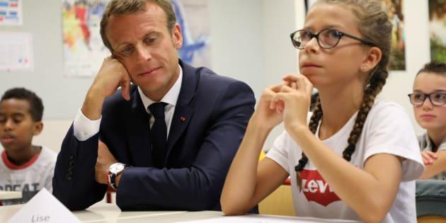 Le Président Emmanuel Macron lors d'une visite dans une école de Laval, au moment de la rentrée scolaire, le 3 septembre 2018.