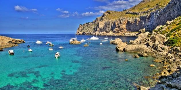Palma di Maiorca vieta le case in affitto ai turisti. Il sin