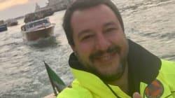 Il selfie di Salvini scatena l'ira social dei veneti. Ma lui ribatte: