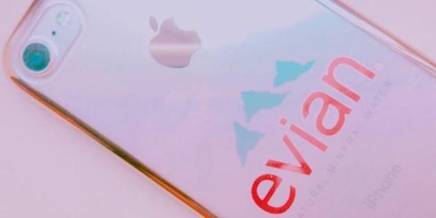 L'iPhone Evian fait un carton au Japon.