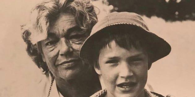 Sur son compte Instagram, Benjamin Castaldi a publié une photo avec sa grand-mère Simone Signoret.