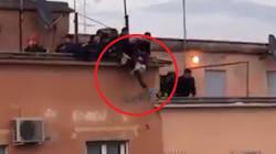 25enne tenta il suicidio a Roma. I vigili del fuoco lo mettono in salvo mentre