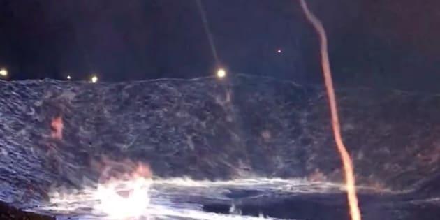 Incendio azul provocado por azufre en Worland, Wyoming.