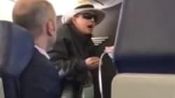 La violenta reacción de una pasajera al ser descubierta fumando en un