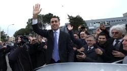 Législatives en Italie: la coalition de droite en tête, percée des populistes du Mouvement 5