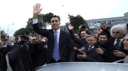 Di Maio a caccia di alleati: prima mossa l'offerta di punti programmatici a tutti. Guardando a un Pd senza Renzi (e al