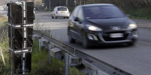 """""""Près de 60%"""" des radars routiers dégradés par les gilets jaunes, selon Castaner (Photo d'illustration prise le 28 décembre 2018)."""