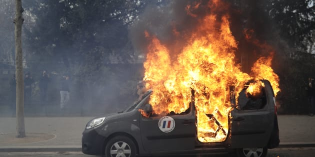 Gilets jaunes : la voiture d'un chef incendiée