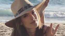 Alessandra Ambrosio se met à nu pour fêter