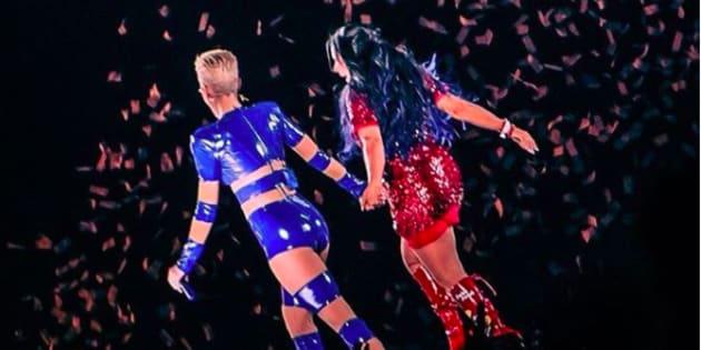 Gretchen foi convidada especial de Katy Perry no show no Allianz Parque, em São Paulo.
