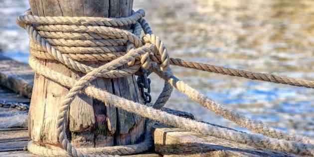 Portuale muore schiacciato da un carrello elevatore al porto di marina di Carrara