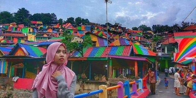 Le village de Kampung Pelangi entièrement repeint aux couleurs de l'arc-en-ciel