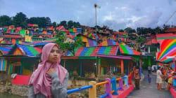 Un village indonésien entièrement repeint aux couleurs de