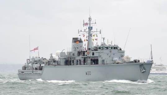 女性兵士が軍艦を見事に操縦。艦長の夫が動画を投稿し、「女性は運転が下手」に反論
