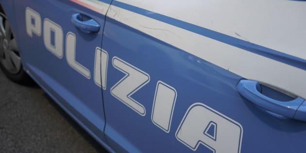 Sparatoria e inseguimento tra auto e moto a Bari, morto un v