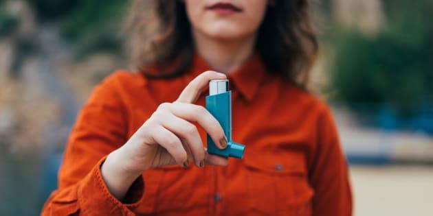 Asma é uma doença crônica que não tem cura.