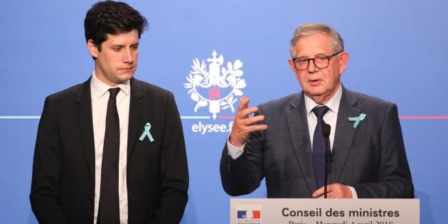 La loi Logement portée par les ministres Julien Denormandie et Jacques Mézard signe-t-elle la fin des HLM à vie?