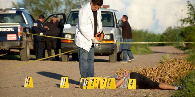Fue encontrado el cuerpo de un hombre con 14 impactos de bala y rastros de tortura en la orilla del canal Antonio Rosales en el Fraccionamiento Villas del Río, en Culiacán, Sinaloa, el 3 de septiembre de 2018.