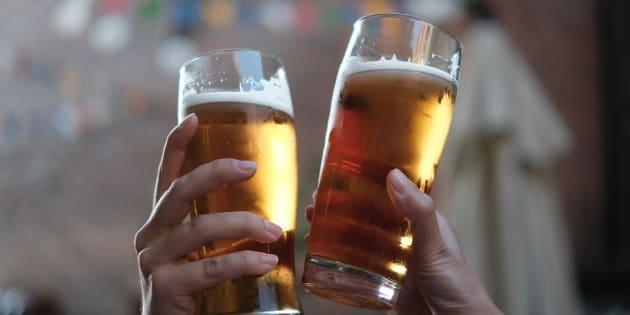La Ley de la Pureza Alemana regula los ingredientes de la cerveza.