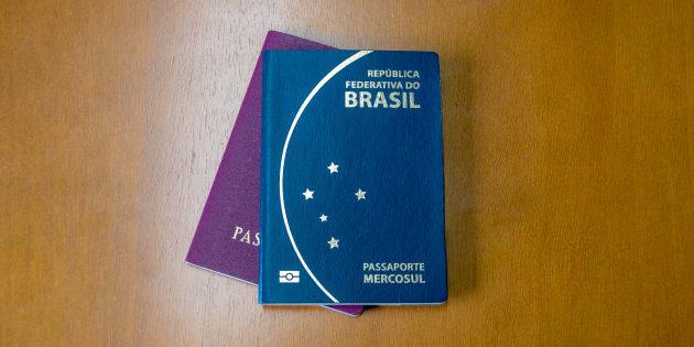 Durante o período de suspensão, 175 mil pedidos de passaportes ficaram represados, segundo a PF, e agora serão processados por ordem cronológica.