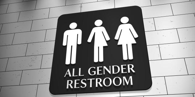 Queremos ter o orgulho de poder usar o banheiro em paz, mesmo sob protestos.