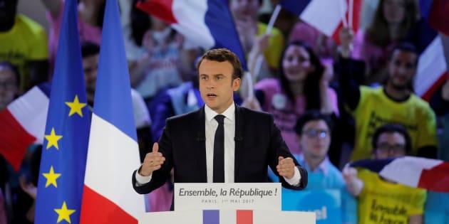 La République en Marche fondée par Emmanuel Macron avant la présidentielle se demande qui elle est