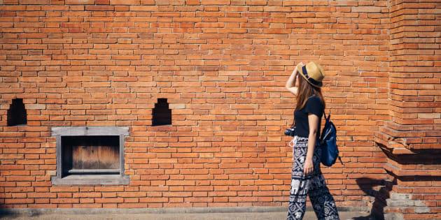 La porte Thapae Gate date du 13e siècle et fait partie d'un mur ancien qui encercle le noyau central de Chiang Mai.