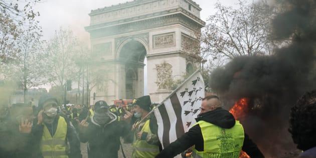 La manifestation des gilets jaunes, samedi 24 novembre aux Champs-Élysées à  Paris, 1abfe51a8e7