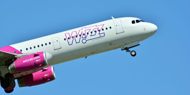 Un avión de pasajeros Airbus de la aerolínea Wizz Air desde Polonia.