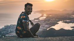 Emprego dos sonhos? Empresa contrata pessoa para viajar por 1 ano pelo Brasil e ganhar R$ 100