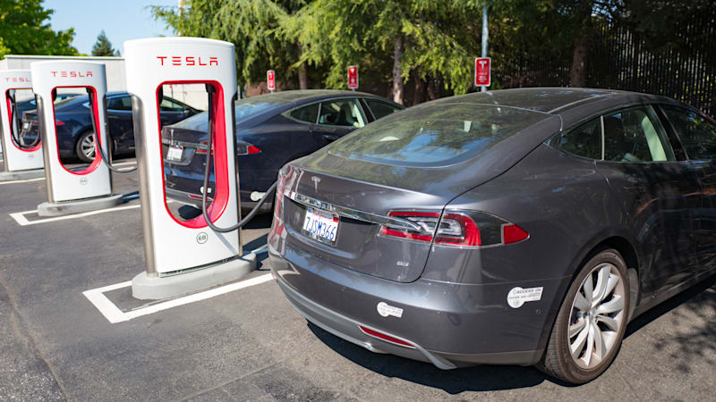 If you're buying a new Tesla, here's how much Supercharging will ...