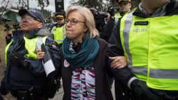 Elizabeth May est arrêtée lors d'une