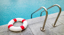 Un élève montréalais a passé 38 minutes au fond de la piscine sans que personne s'en