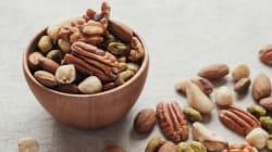 Moins de viande, plus de noix: un régime bon pour votre santé et celle de la