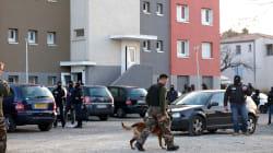 Trois explosifs retrouvés près du corps de Radouane Lakdim, des notes