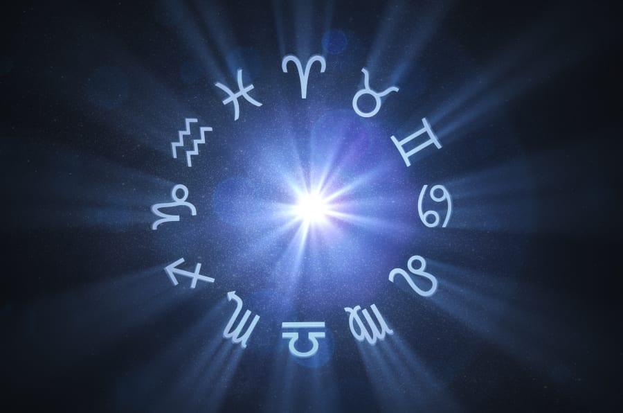 Tem muita gente que desdenha da astrologia, mas basta uma rápida analisada no que o seu signo diz para você encontrar alguma identificação.