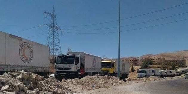 An joint UN-Syrian Red Crescent-ICRC aid convoy delivered aid to Harasta, a rebel-held Damascus suburb besieged by the Syrian government since 2013.