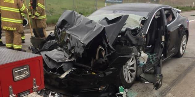 Après un nouvel accident lié à l'AutoPilot, Musk vante la résistance de ses Tesla