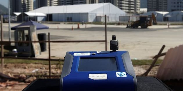 A machine tests for PM 2.5 levels in front of 2016 Rio Olympic Village in Rio de Janeiro, Brazil, June 17, 2016. Picture taken June 17, 2016. To match Insight OLYMPICS-RIO/AIR   REUTERS/Ricardo Moraes