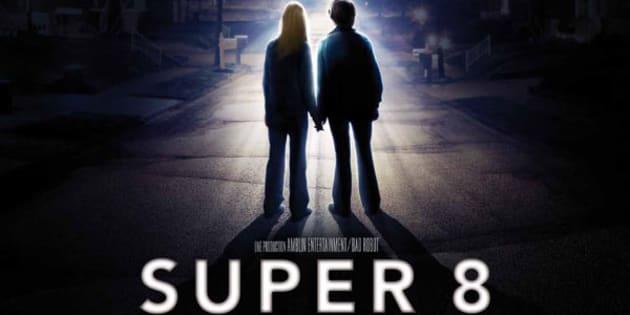 """L'affiche du film """"Super 8"""", réalisé en 2011 par J.J Abrams et produit par Steven Spielberg."""