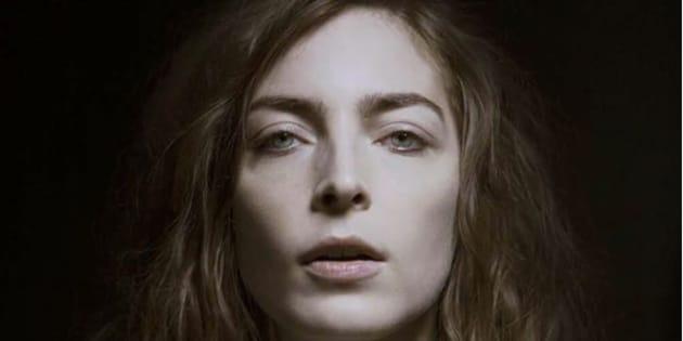 """La chanteuse Fishbach rejoint le casting de la série événement de Canal+ """"Vernon Subutex"""" basée sur les romans à succès de Virginie Despentes."""