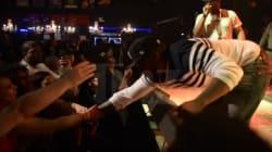 50 Cent donne un coup de poing à une fan (elle finit par twerker sur