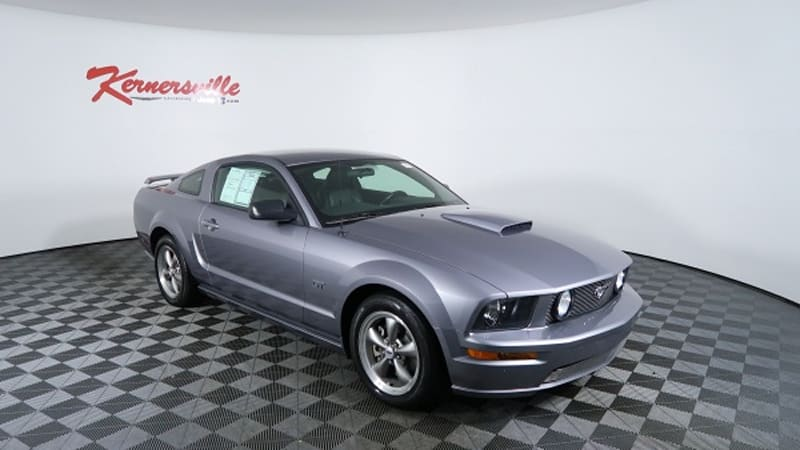 sell your own 2006 ford mustang gt autoblog. Black Bedroom Furniture Sets. Home Design Ideas