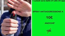 Sconti sullo spray anti-aggressione, in collaborazione con un'armeria: polemica sull'iniziativa della Lega di
