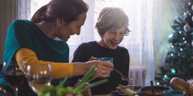 """""""Si ce Noël, vos enfants seront moins gâtés, dites-leur pourquoi, et montrez-leur ce qui est le plus important"""""""