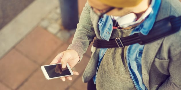 Cette appli fige le téléphone des enfants jusqu'à ce qu'ils répondent à leurs parents.