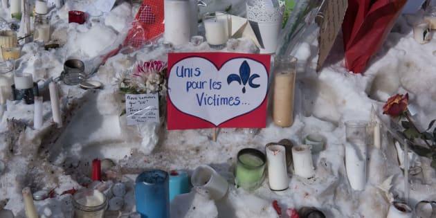 Des messages laissés près du lieu de la fusillade en janvier 2017.
