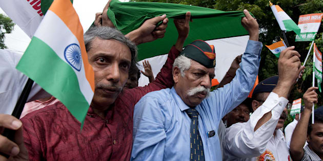 Vice Chancellor of JNU, Prof M Jagadesh Kumar (red shirt) and Gen GD Bakshi (blue shirt) participating in Tiranga March on Kargil Vijay Diwas on July 23, 2017 in New Delhi, India.
