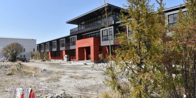 森友学園が建設を進めていた小学校=大阪府豊中市